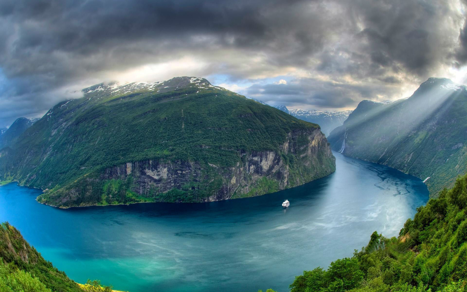 HQ Geirangerfjord Wallpapers | File 339.07Kb
