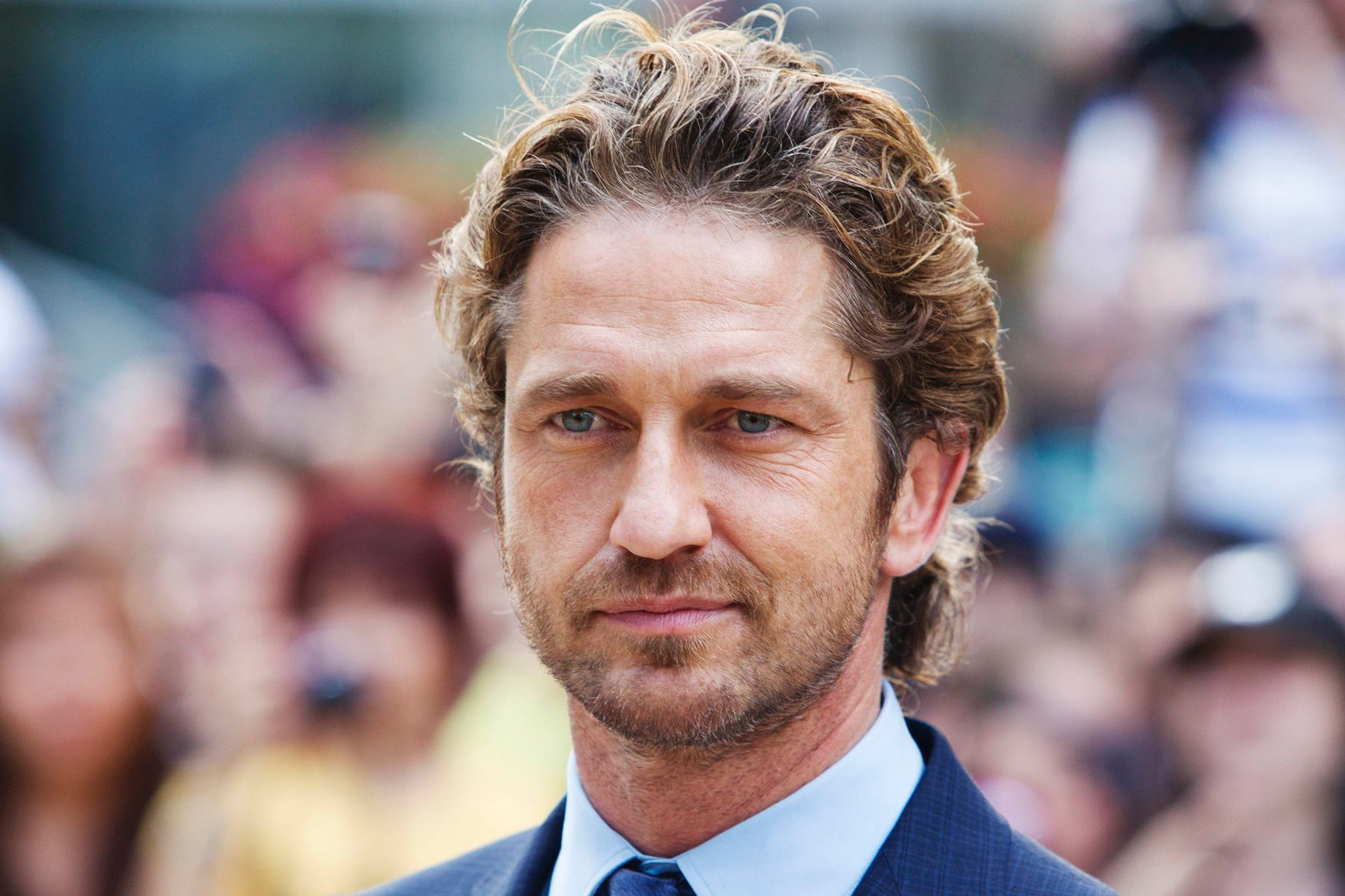 HD Quality Wallpaper | Collection: Celebrity, 1841x1227 Gerard Butler