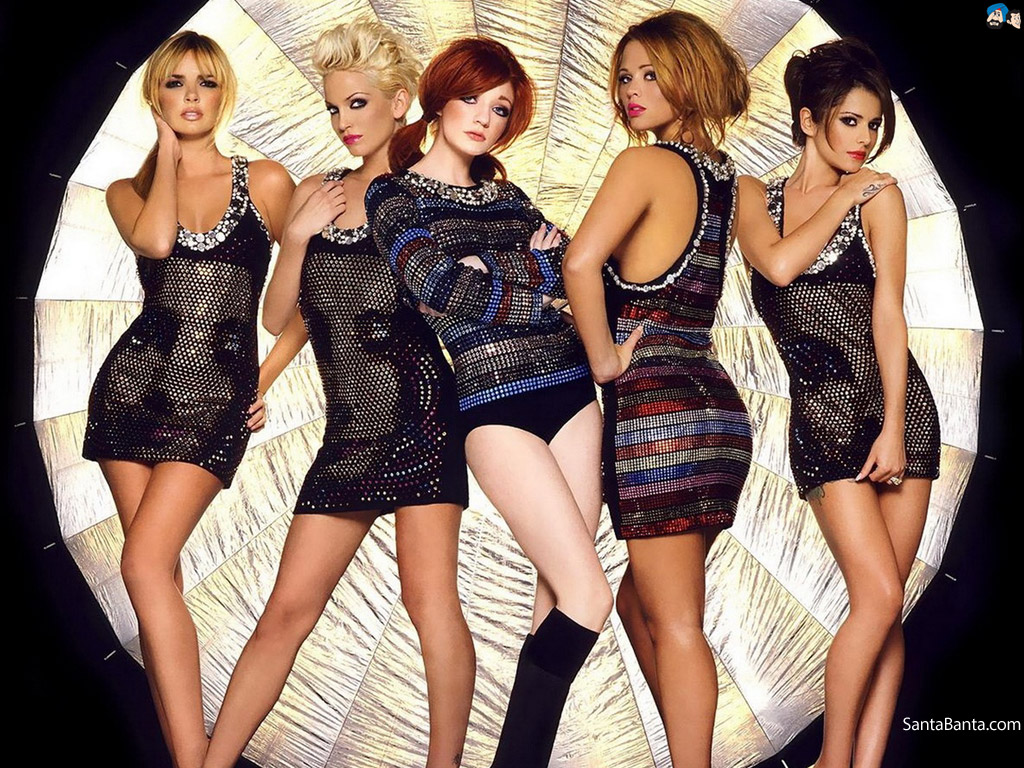 The blonde beauty in girls aloud — pic 1