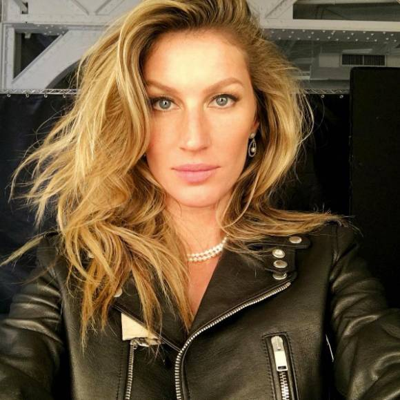 Nice Images Collection: Gisele Bündchen Desktop Wallpapers