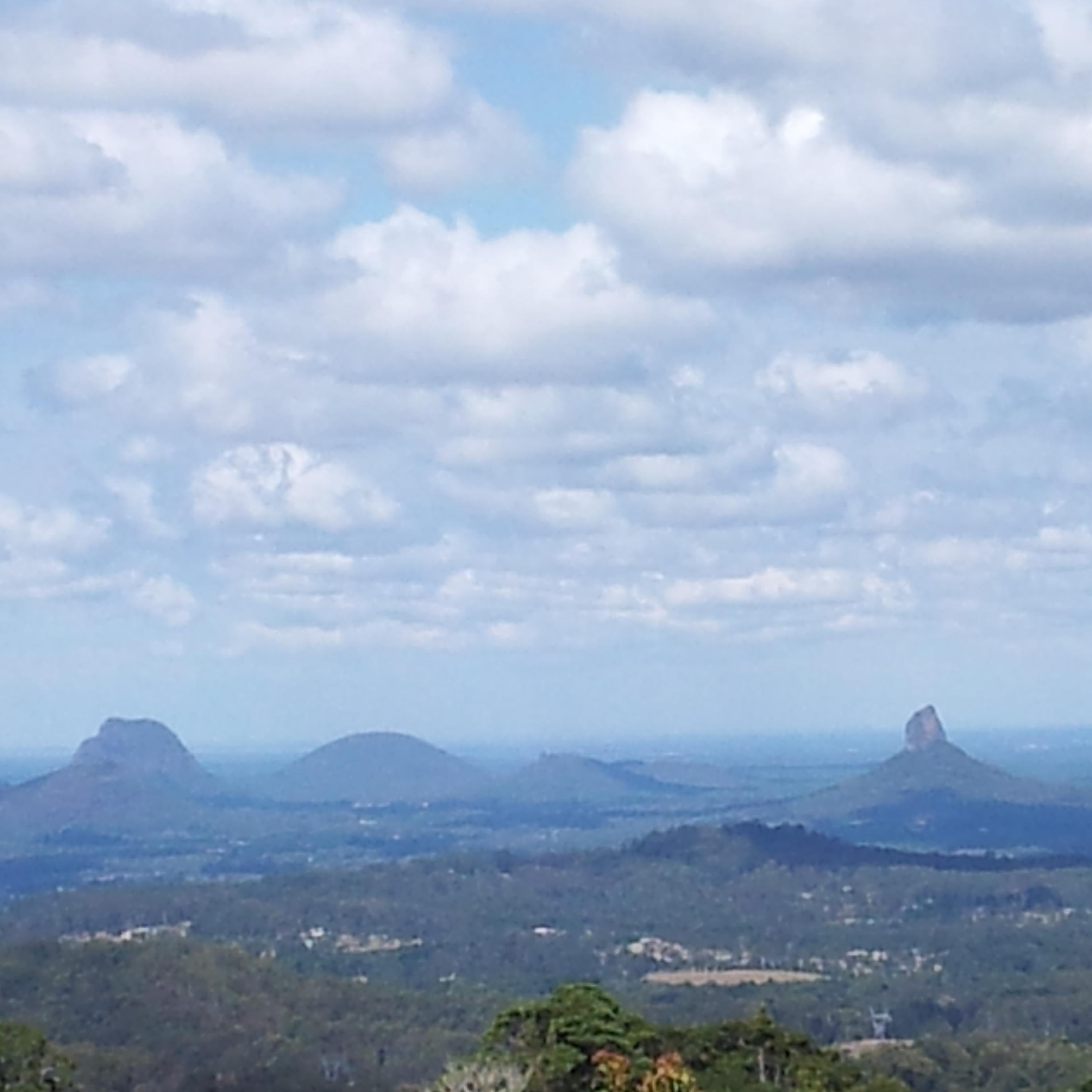 Amazing Glasshouse Mountains Pictures & Backgrounds