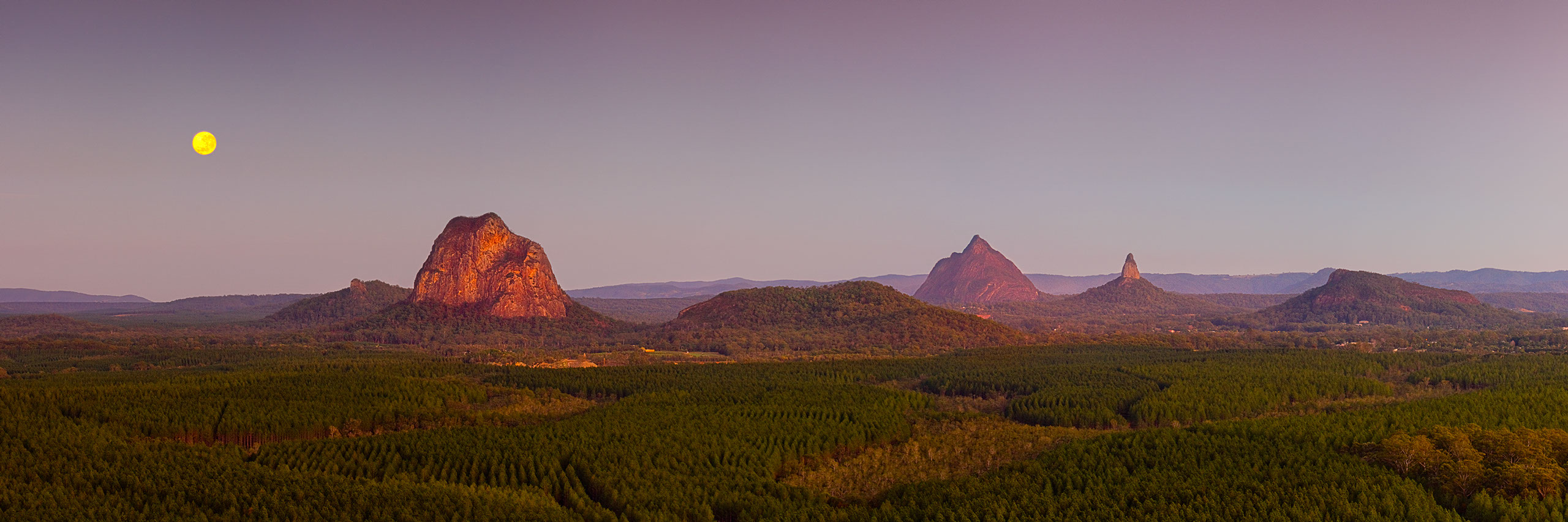 Images of Glasshouse Mountains | 2560x853