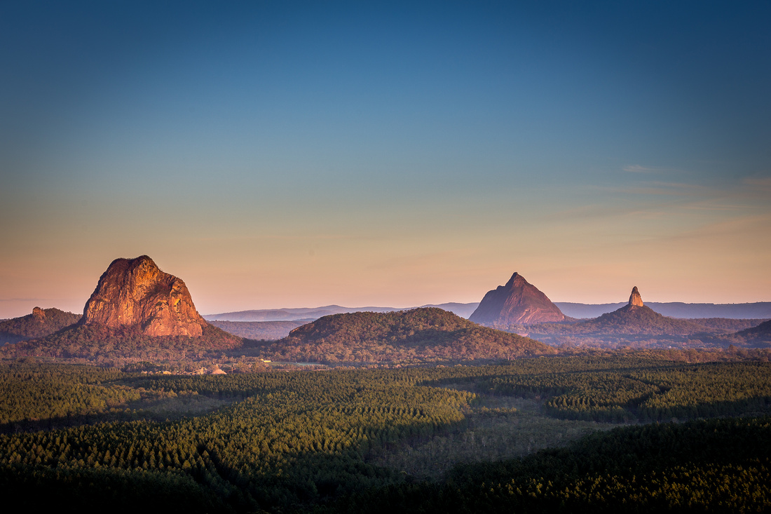 HQ Glasshouse Mountains Wallpapers | File 320.44Kb