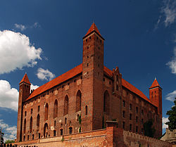 HD Quality Wallpaper | Collection: Man Made, 250x209 Gniew Castle