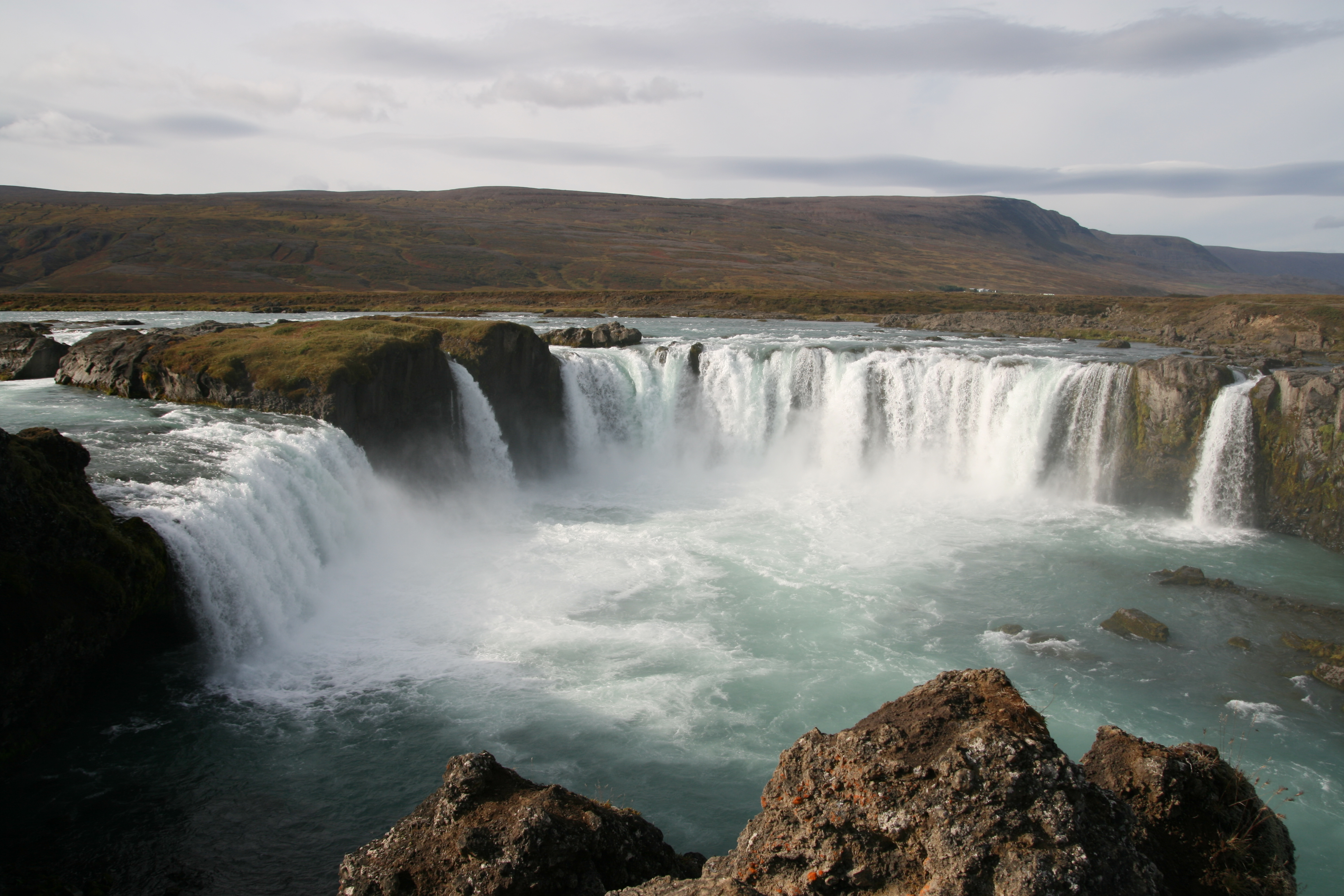 HD Quality Wallpaper | Collection: Earth, 3888x2592 Goðafoss