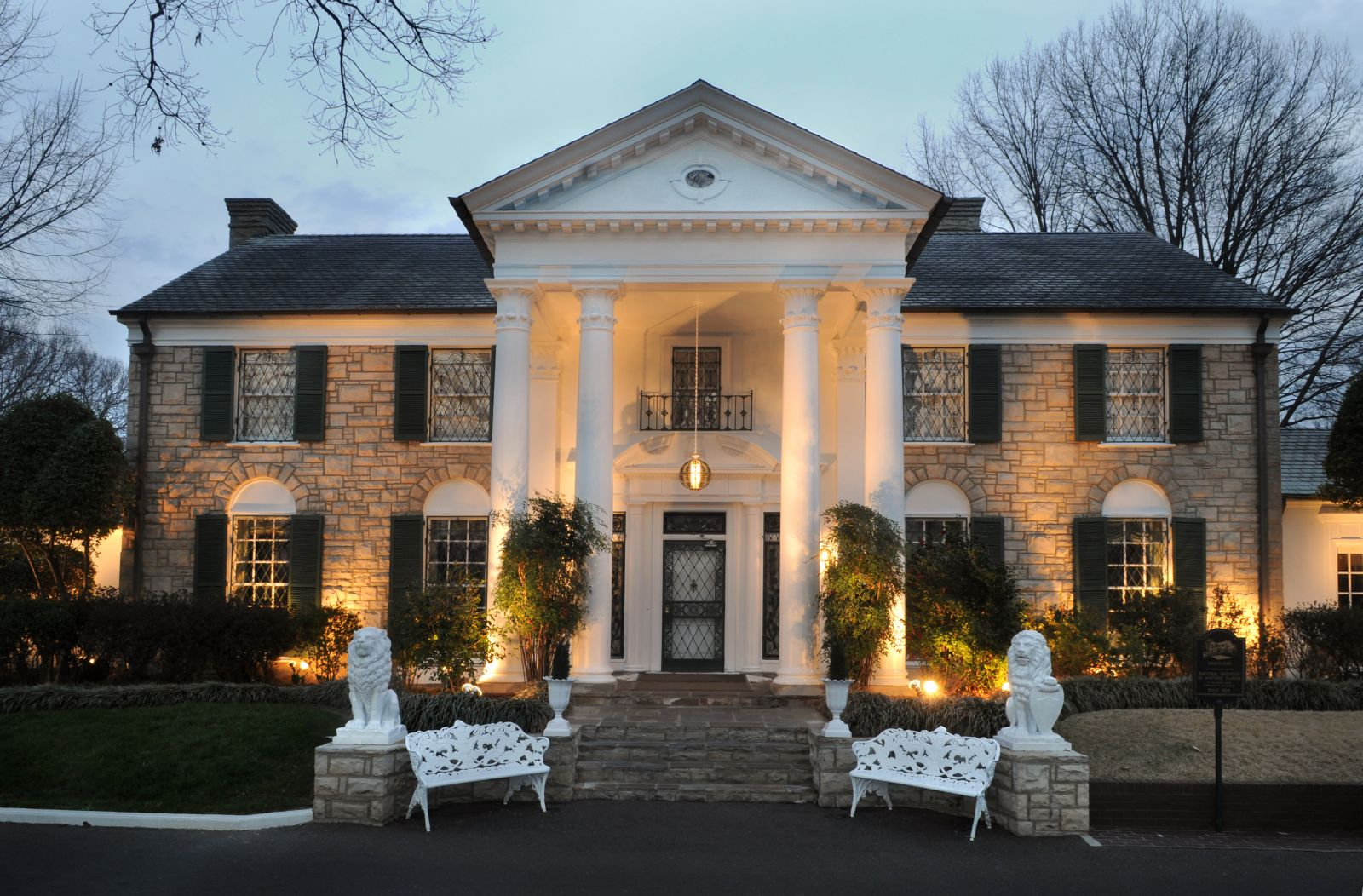 Amazing Graceland Pictures & Backgrounds