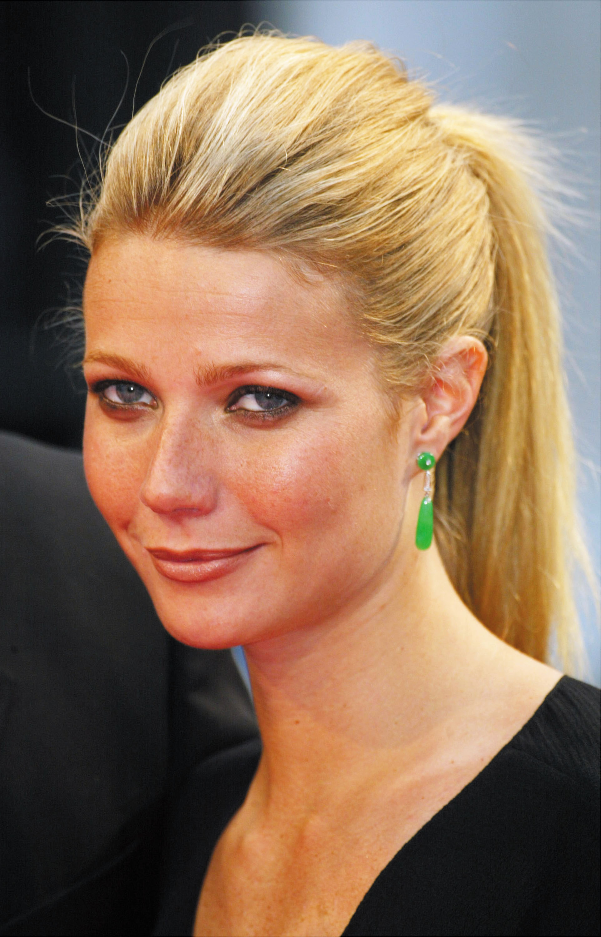 HD Quality Wallpaper | Collection: Celebrity, 1923x3000 Gwyneth Paltrow