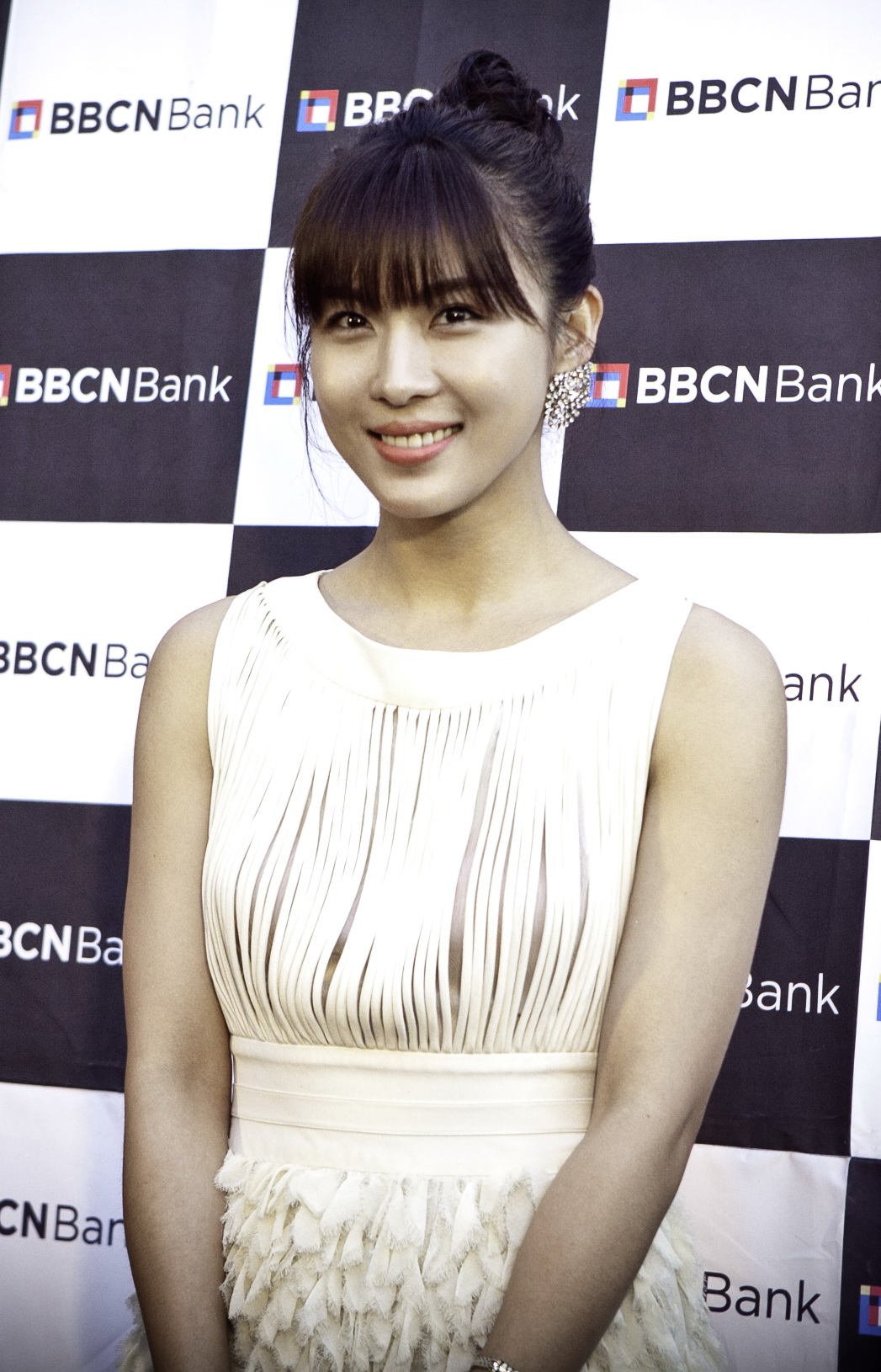 HD Quality Wallpaper | Collection: Celebrity, 1047x1630 Ha Ji-won