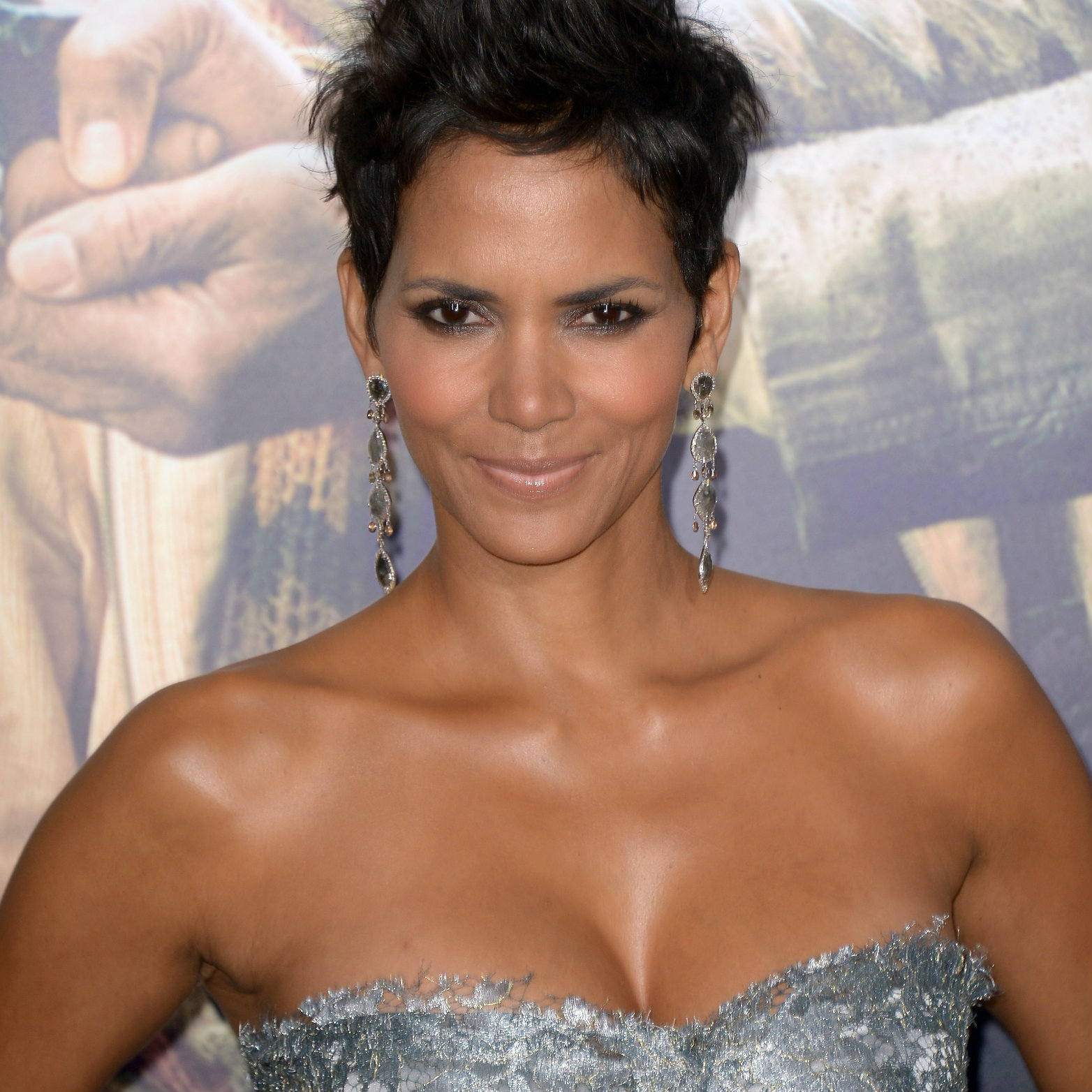 Halle Berry Backgrounds on Wallpapers Vista