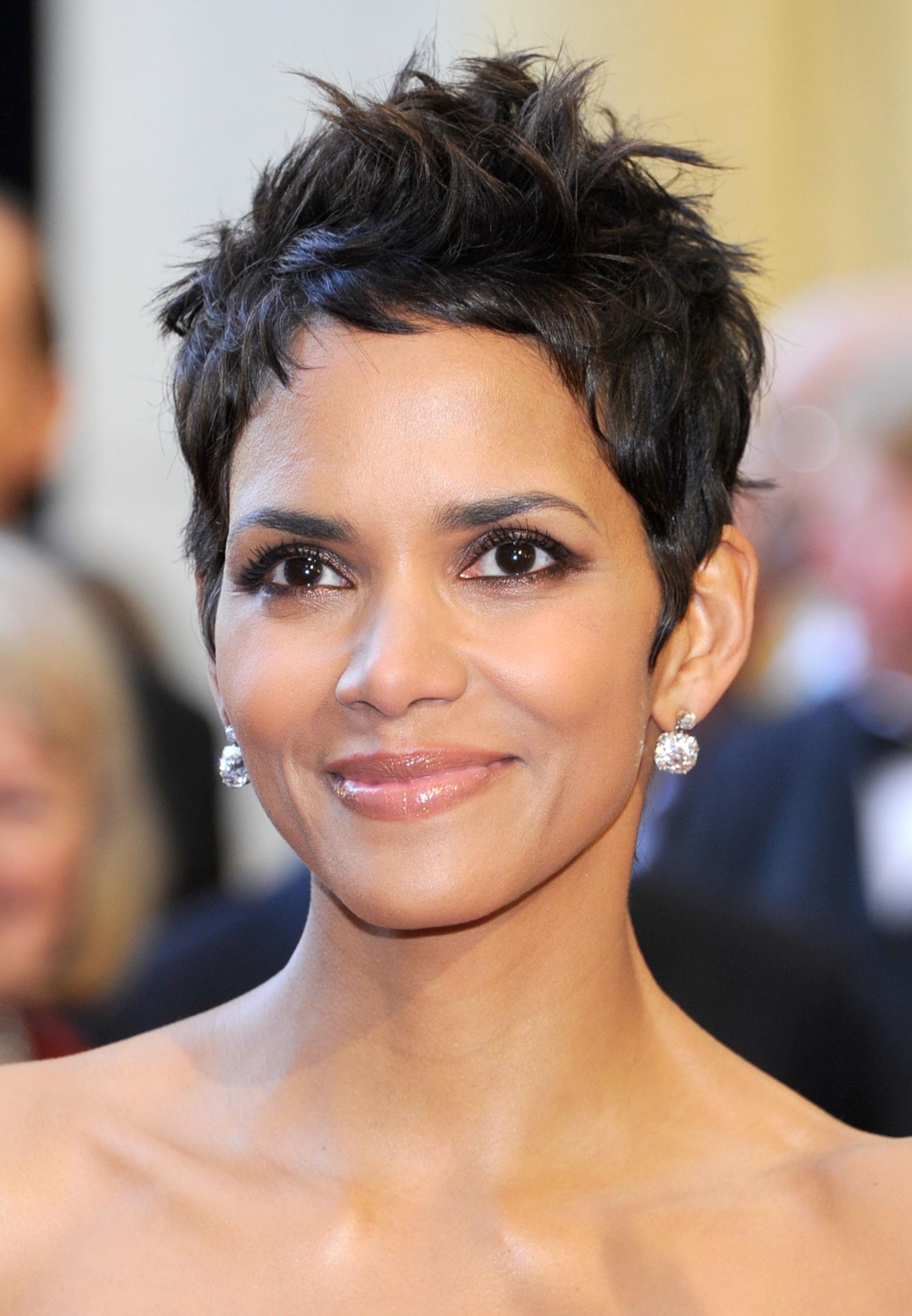 HD Quality Wallpaper | Collection: Celebrity, 2079x3000 Halle Berry
