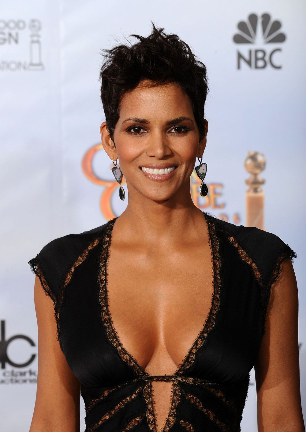 1000x1409 > Halle Berry Wallpapers