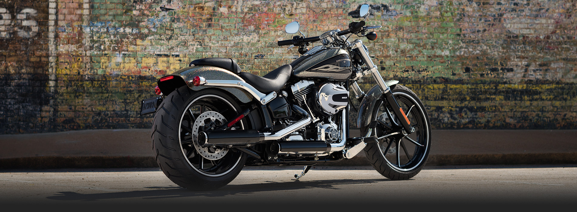 Amazing Harley-Davidson Breakout Pictures & Backgrounds