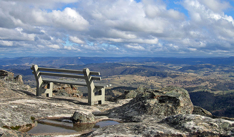 Images of Hassans Walls Lookout | 800x470