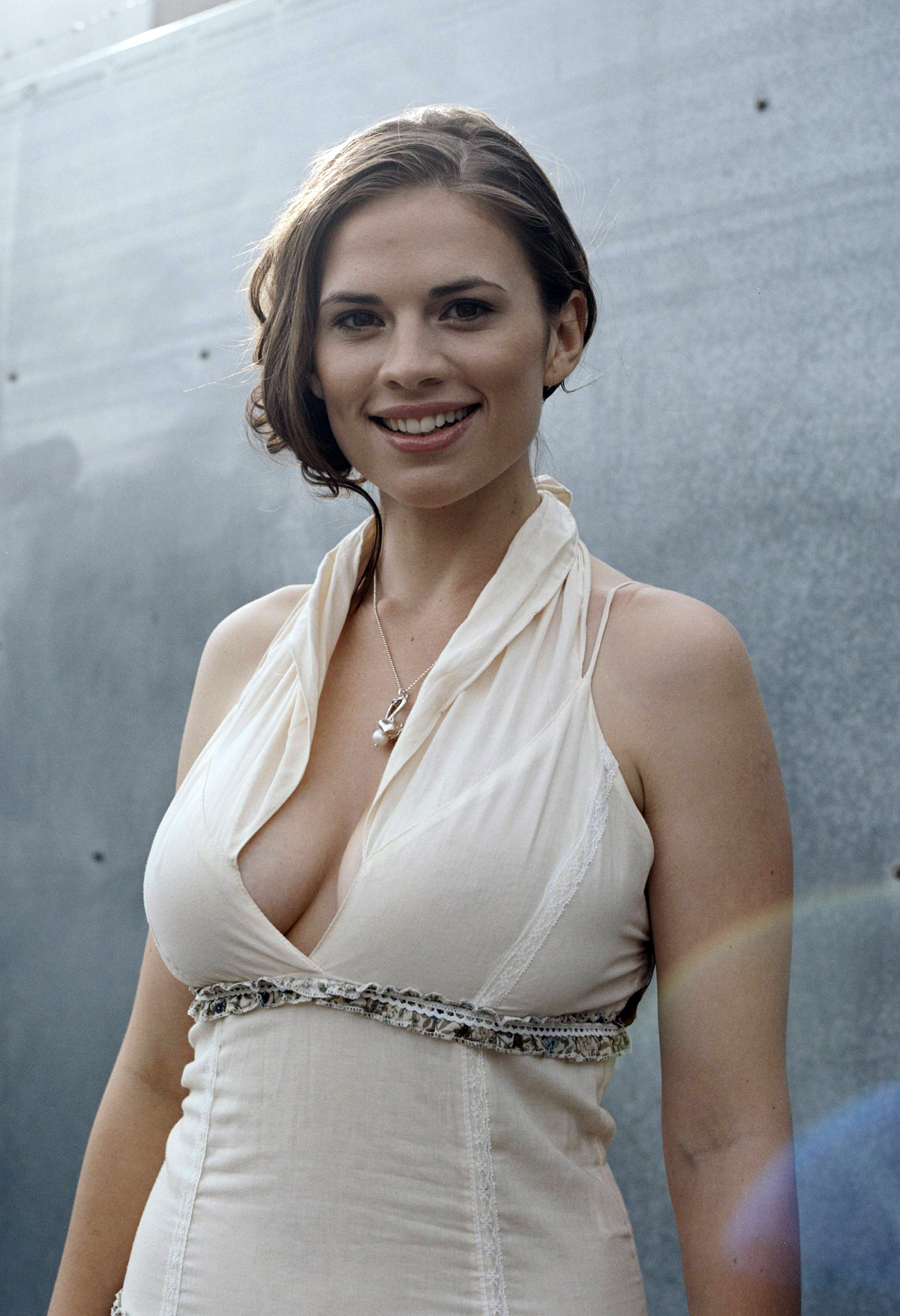 Hayley Atwell High Quality Background on Wallpapers Vista