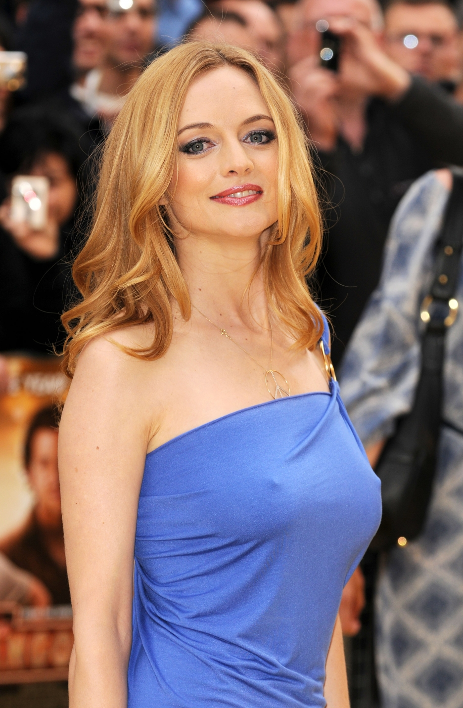 Amazing Heather Graham Pictures & Backgrounds