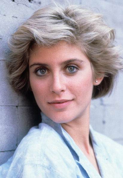 High Resolution Wallpaper | Helen Slater 411x594 px