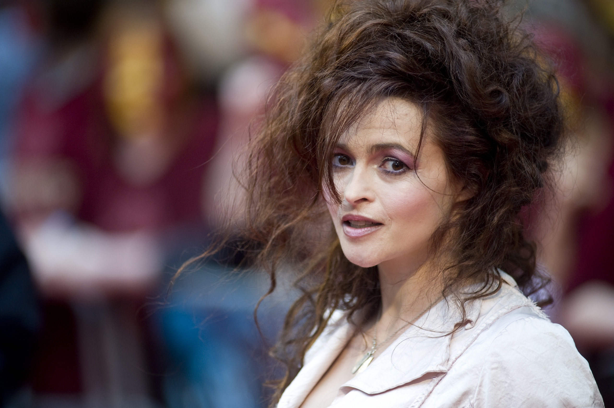 High Resolution Wallpaper | Helena Bonham Carter 2560x1703 px