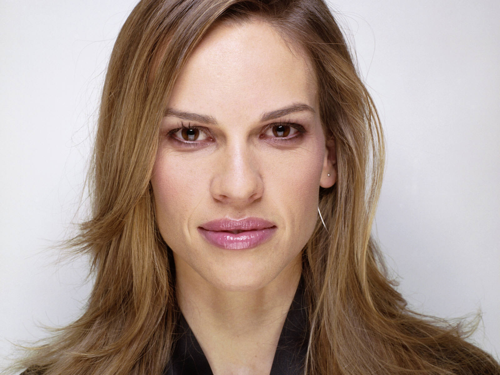 Amazing Hilary Swank Pictures & Backgrounds