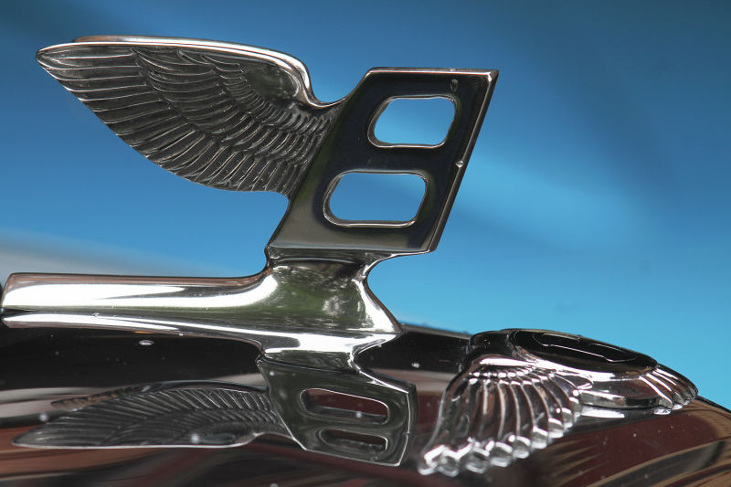 HD Quality Wallpaper | Collection: Photography, 800x533 Hood Ornament
