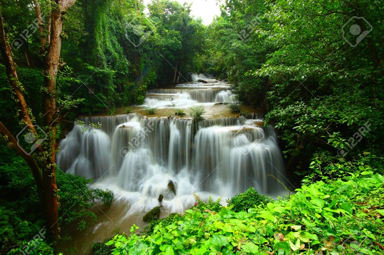 High Resolution Wallpaper | Huai Mae Kamin Waterfall 1300x866 px