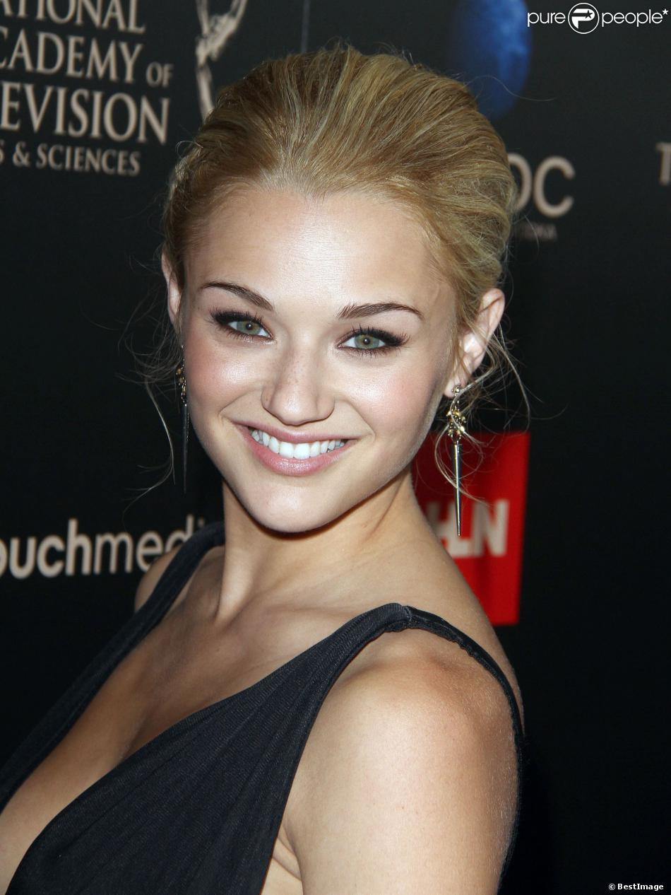 Hunter King High Quality Background on Wallpapers Vista