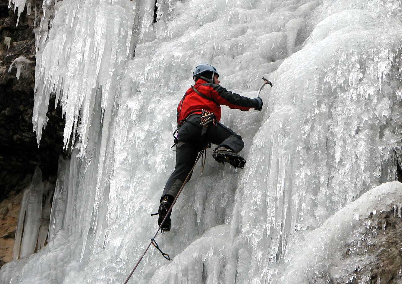 Amazing Ice Climbing Pictures & Backgrounds
