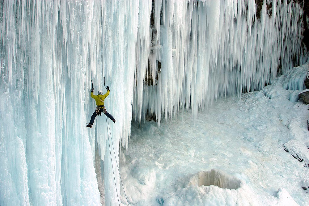 HD Quality Wallpaper | Collection: Sports, 1000x667 Ice Climbing