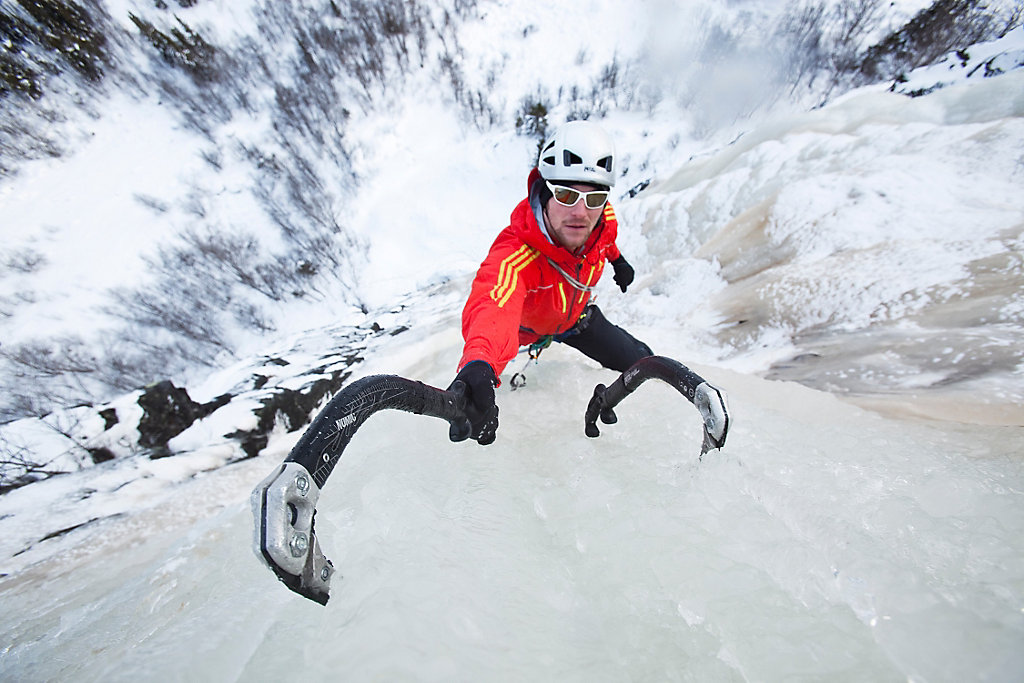 High Resolution Wallpaper | Ice Climbing 1024x683 px