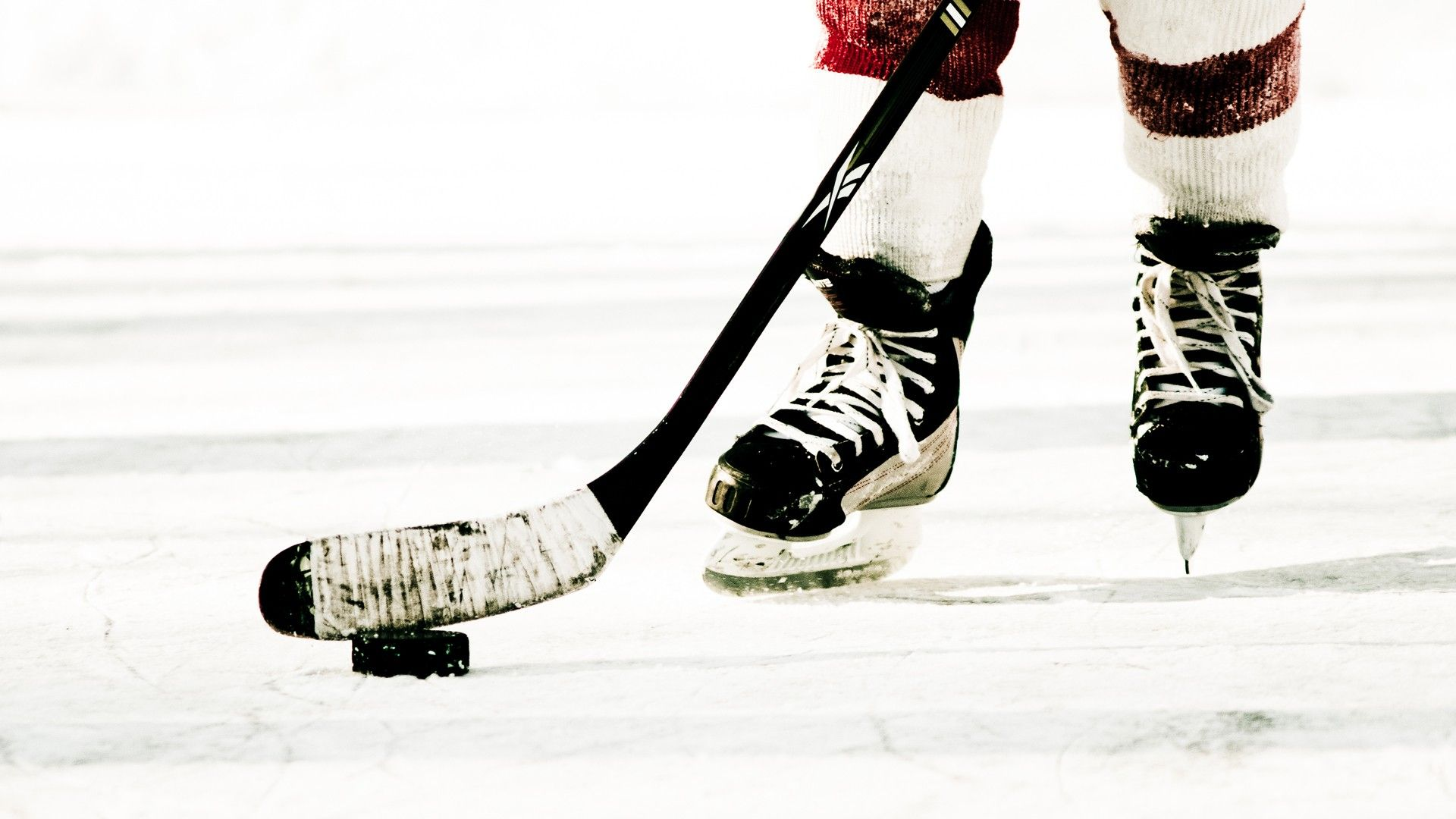 Amazing Ice Hockey Pictures & Backgrounds
