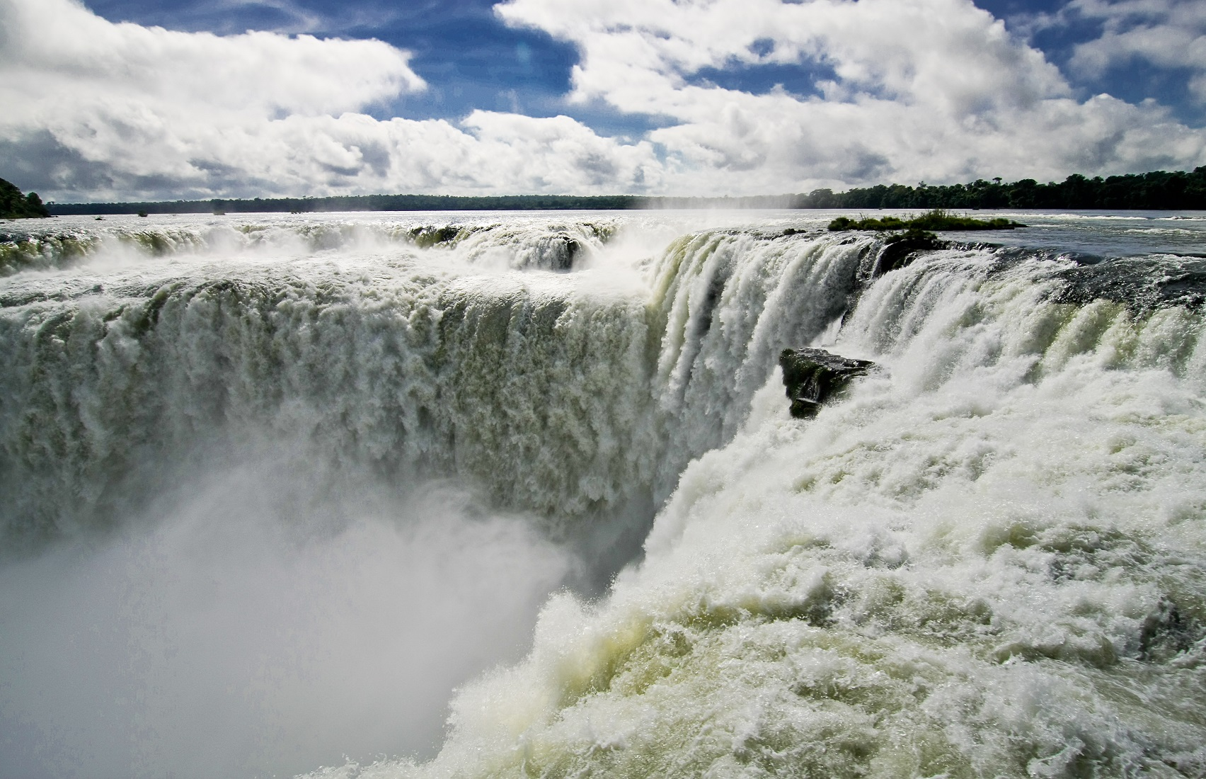 Iguazu Falls High Quality Background on Wallpapers Vista