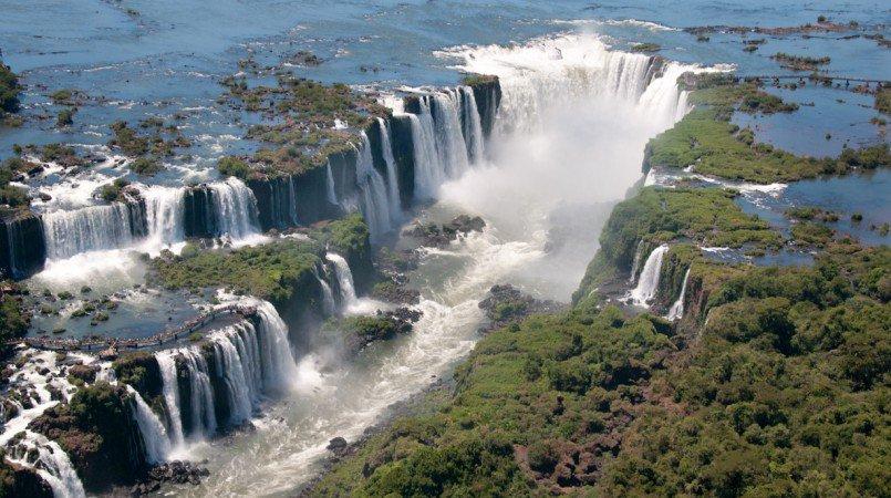 805x450 > Iguazu Falls Wallpapers