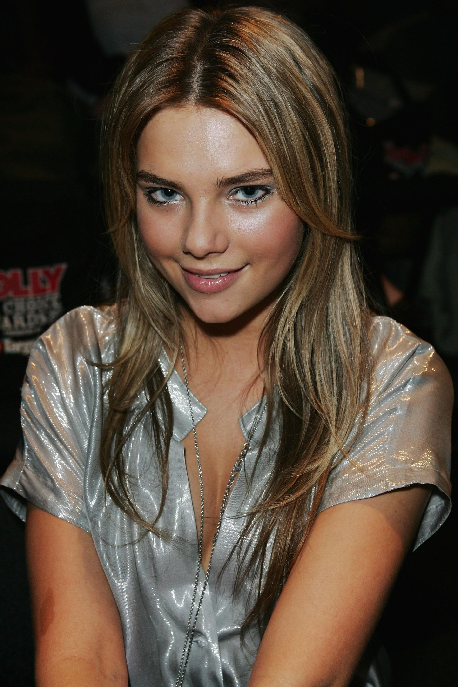 Indiana Evans Backgrounds, Compatible - PC, Mobile, Gadgets| 1900x2850 px