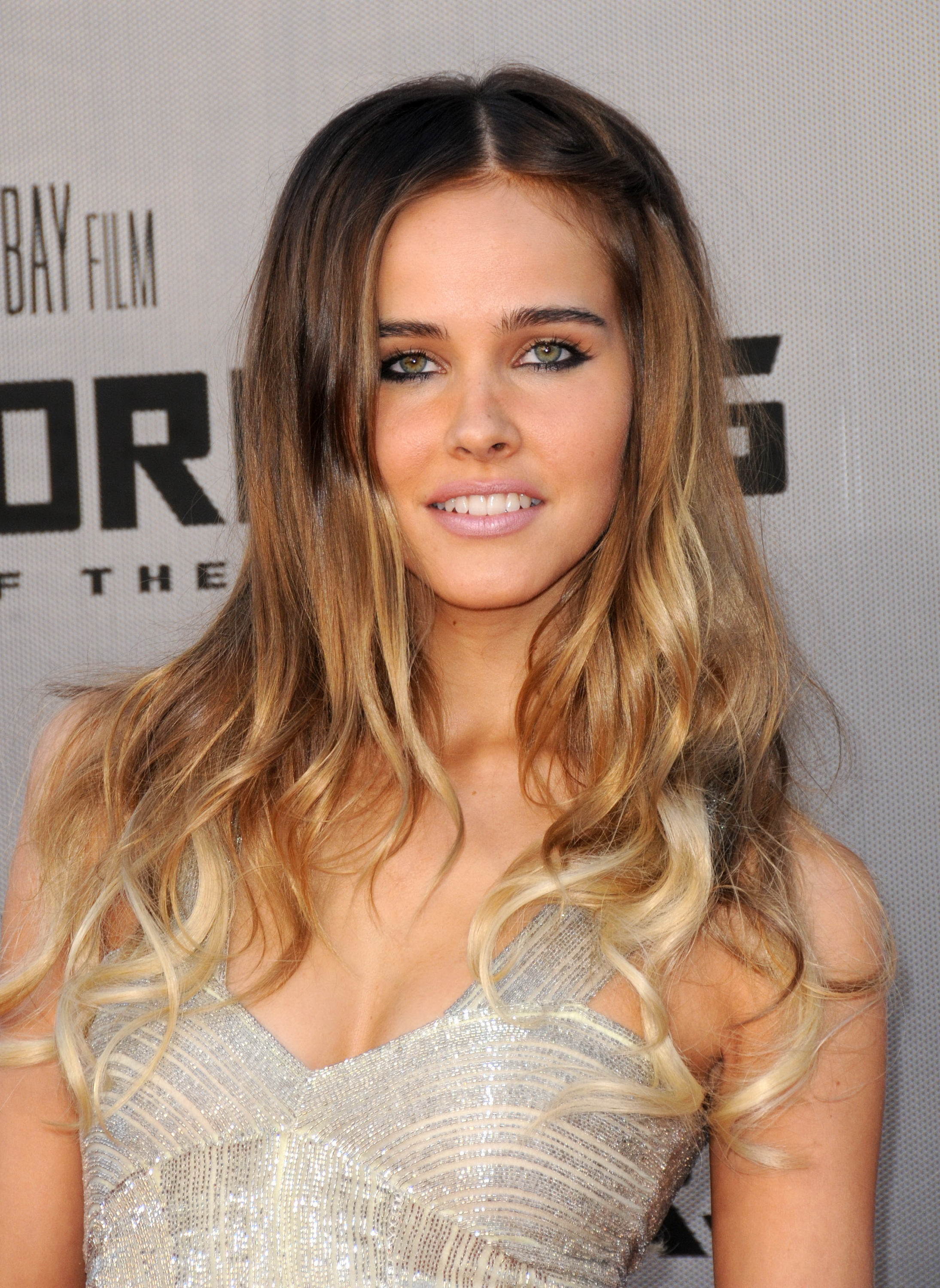 Images of Isabel Lucas   2189x3000