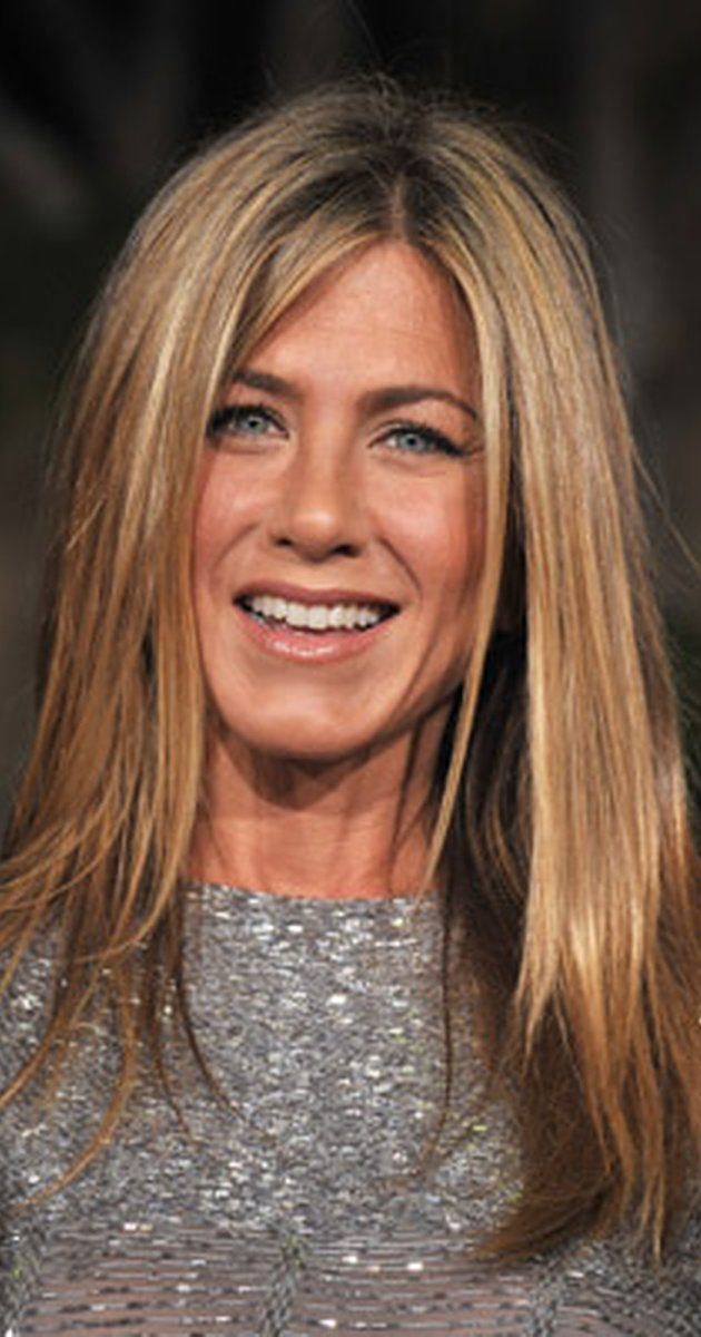 630x1200 > Jennifer Aniston Wallpapers