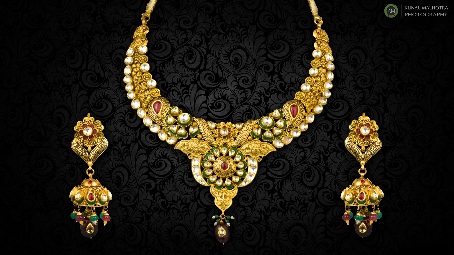 HQ Jewelry Wallpapers | File 1198.49Kb