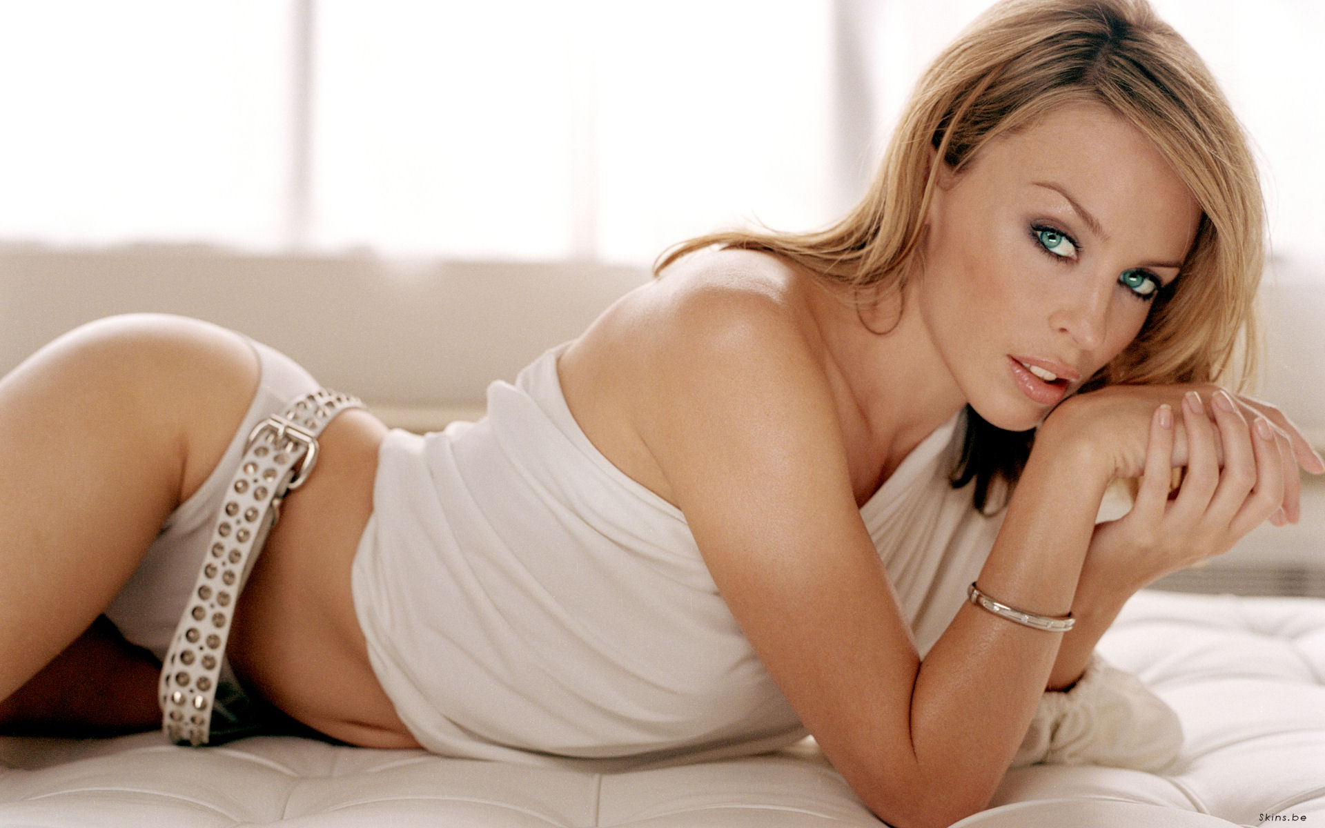 Kyllie Minogue Backgrounds on Wallpapers Vista