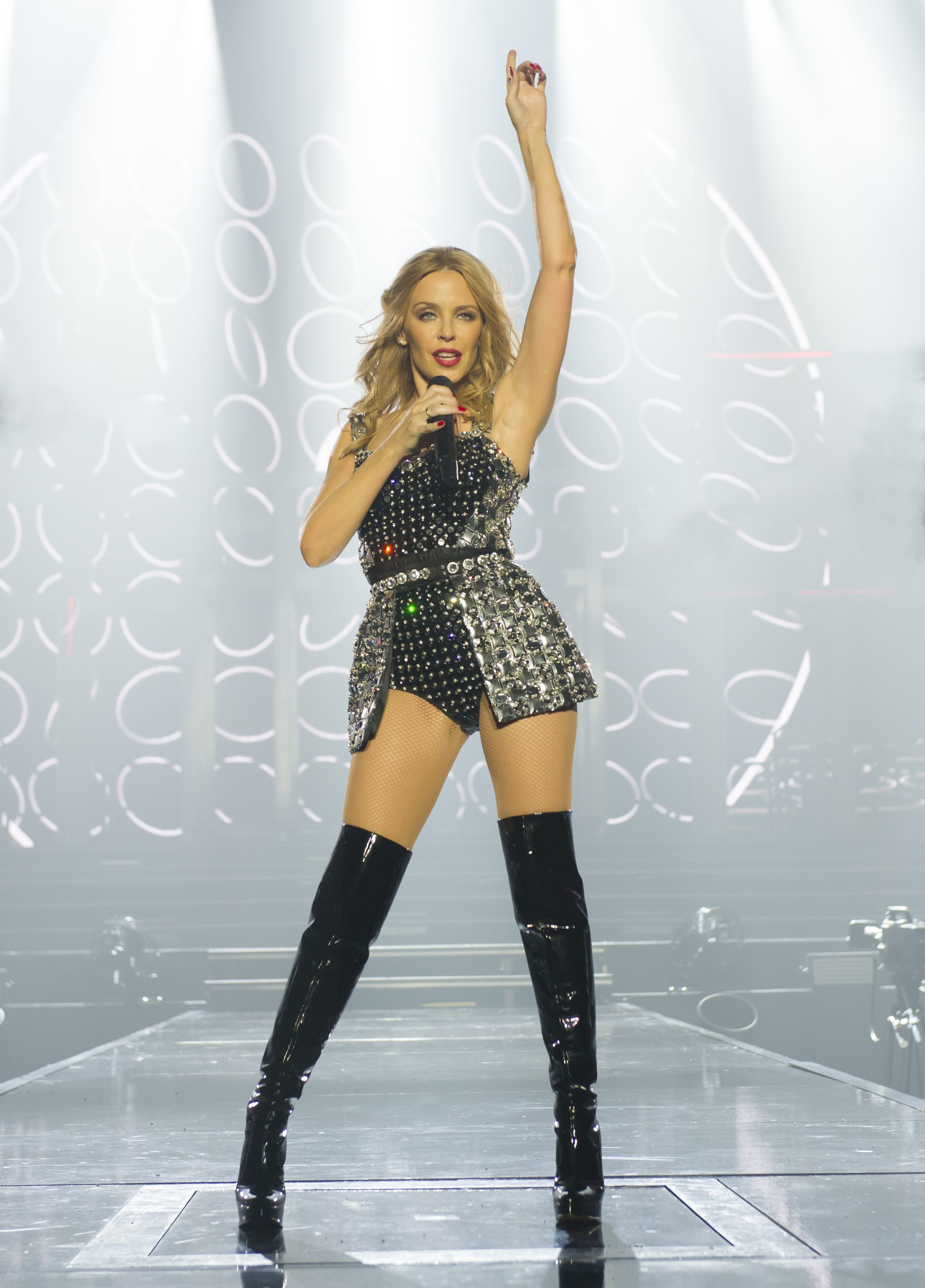 HD Quality Wallpaper | Collection: Music, 2580x3592 Kyllie Minogue