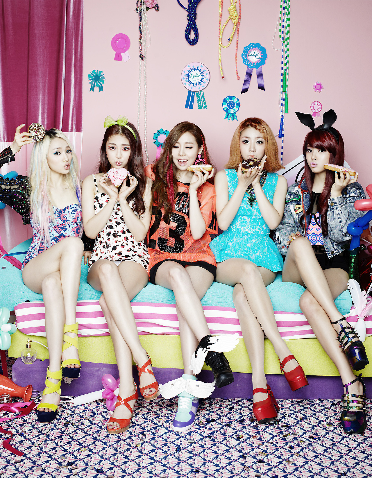Ladies' Code High Quality Background on Wallpapers Vista