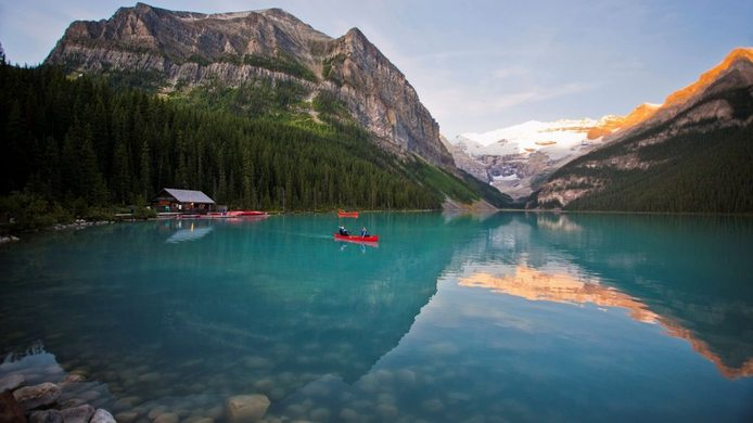 Amazing Lake Louise Pictures & Backgrounds