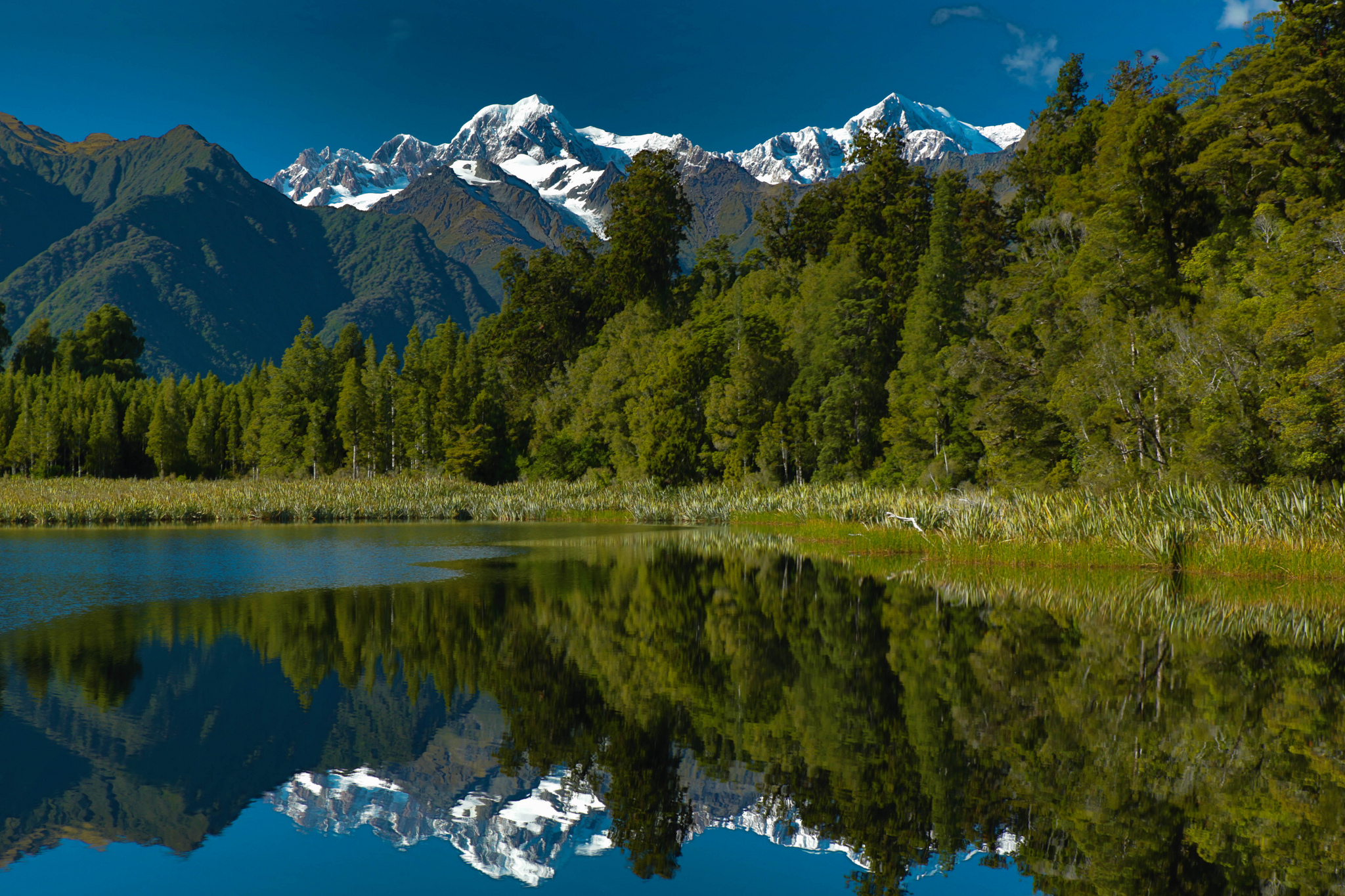 Images of Lake Matheson   2048x1365