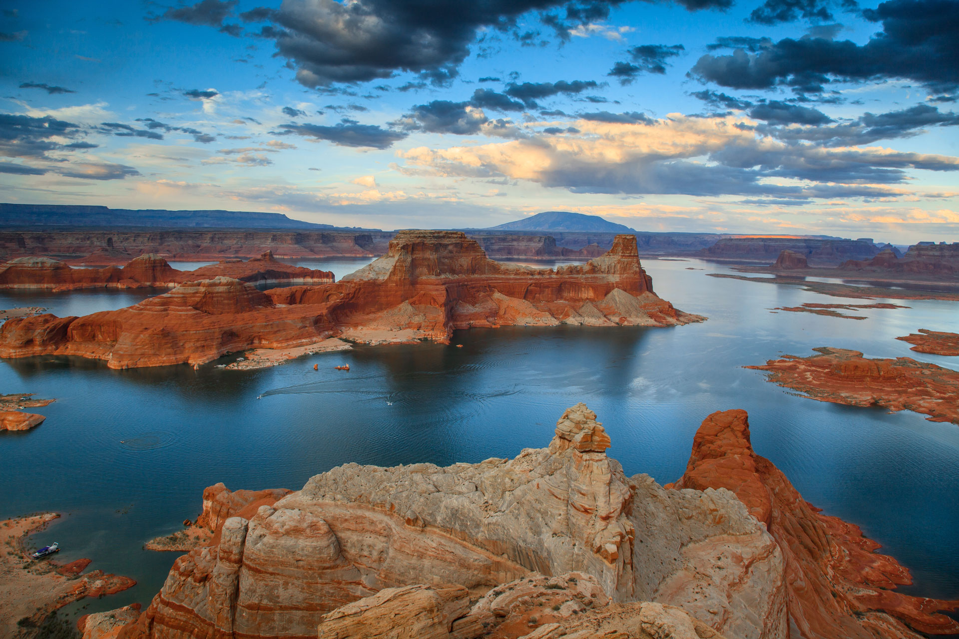 Images of Lake Powell   1920x1280