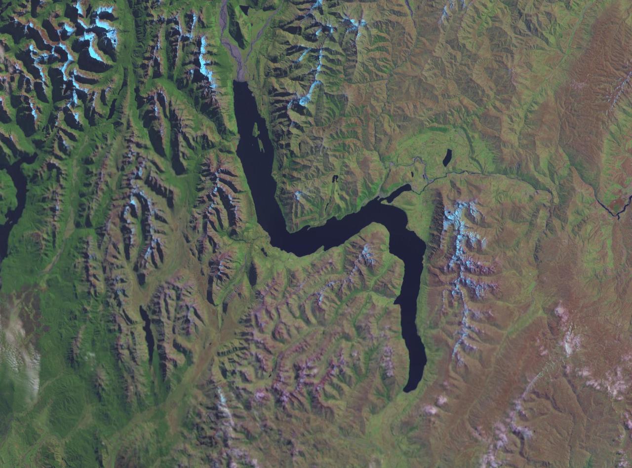 Amazing Lake Wakatipu Pictures & Backgrounds