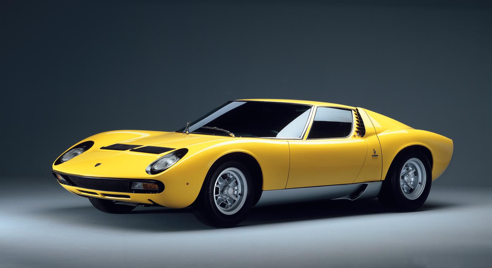 Nice Images Collection: Lamborghini Miura Desktop Wallpapers