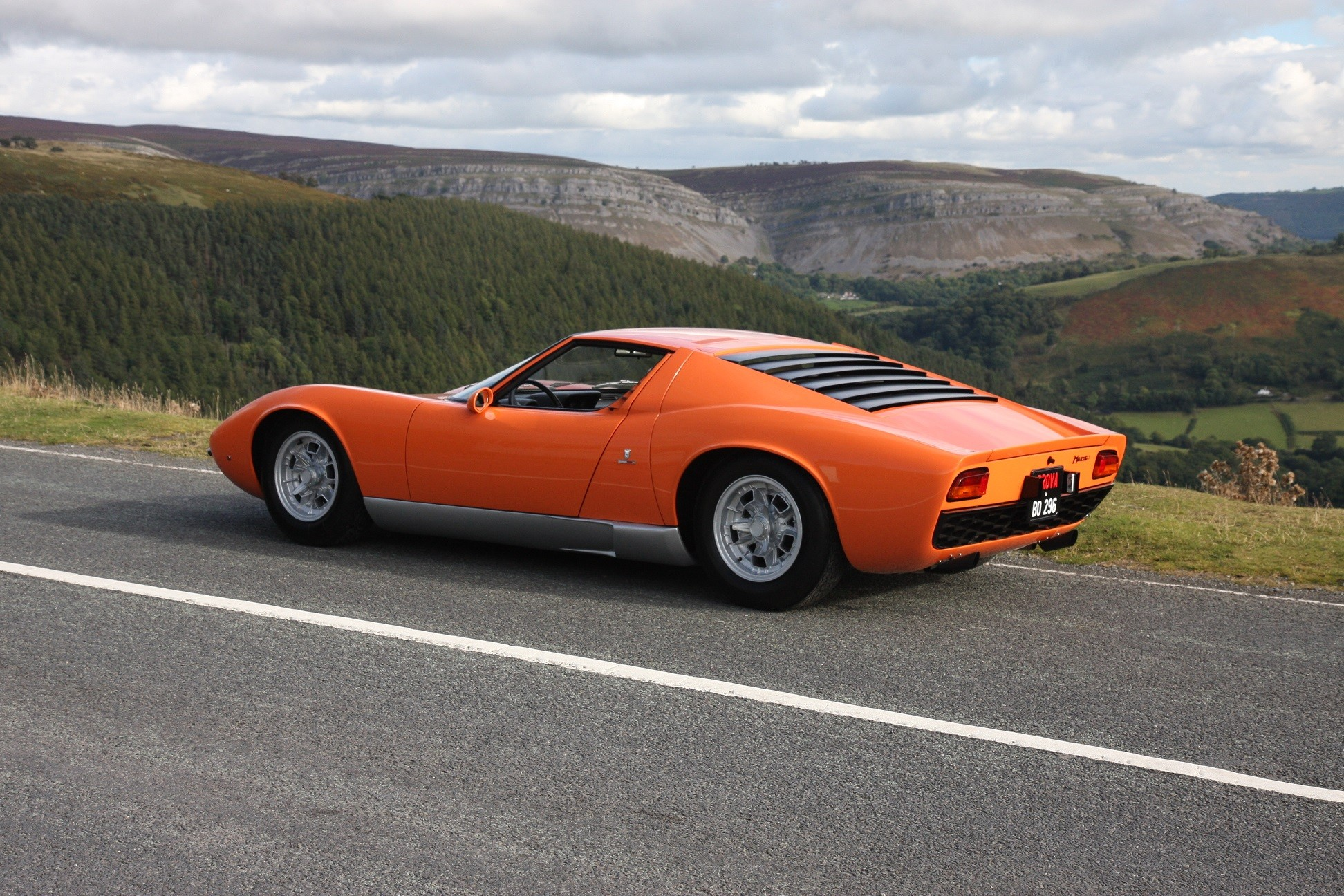 HQ Lamborghini Miura Wallpapers | File 767.3Kb