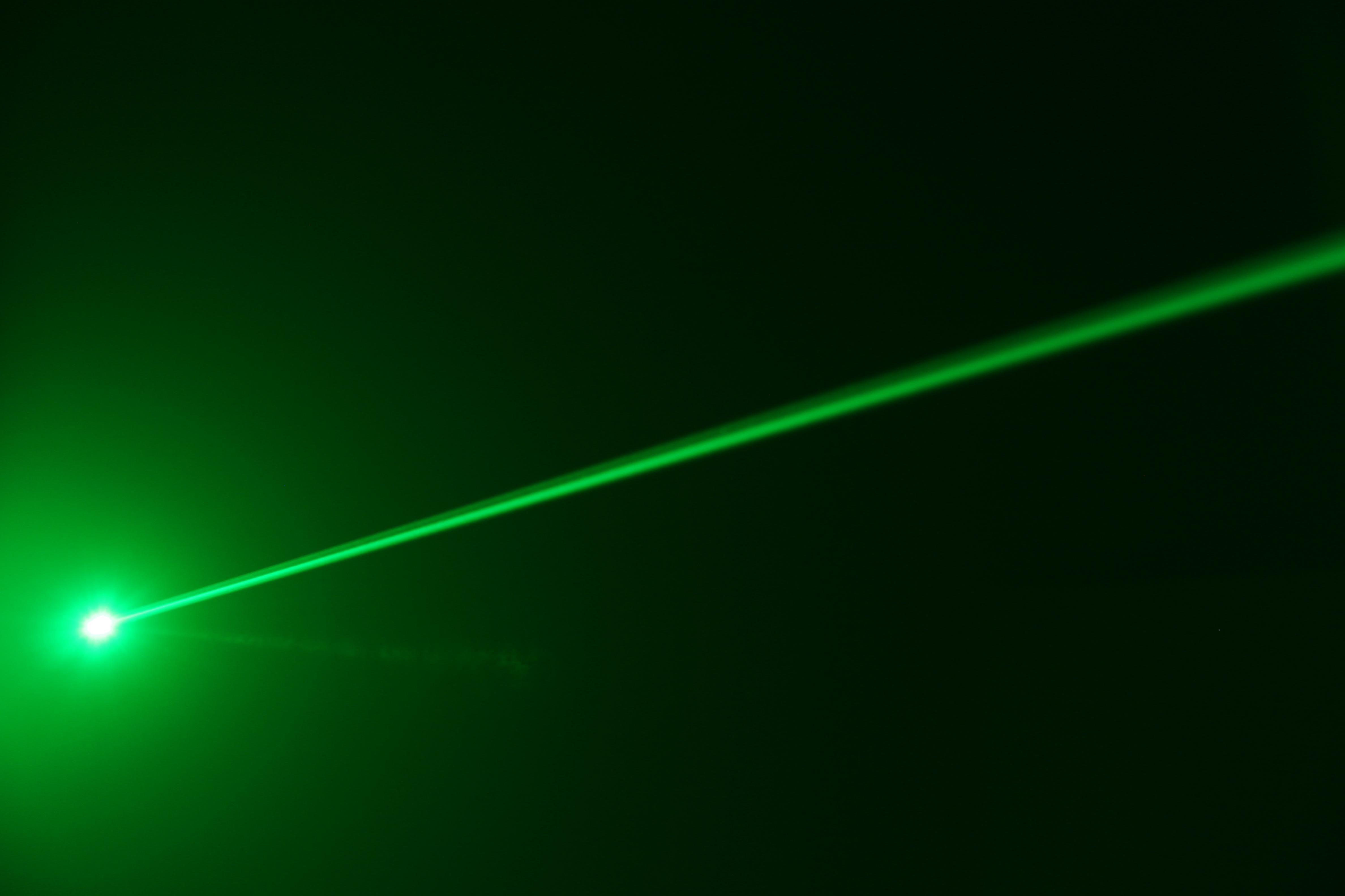 High Resolution Wallpaper | Laser 4752x3168 px