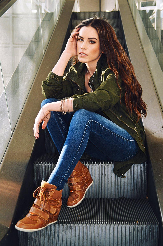 Lauren Calaway High Quality Background on Wallpapers Vista