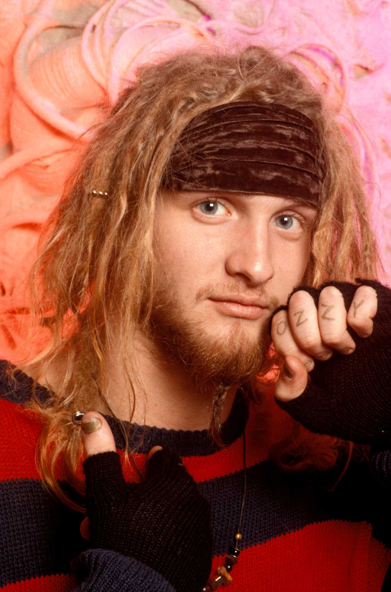 HD Quality Wallpaper | Collection: Music, 1354x2048 Layne Staley