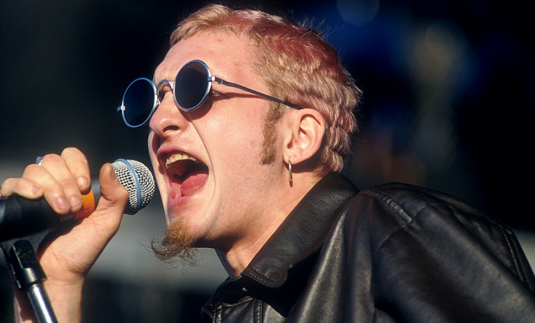 Amazing Layne Staley Pictures & Backgrounds
