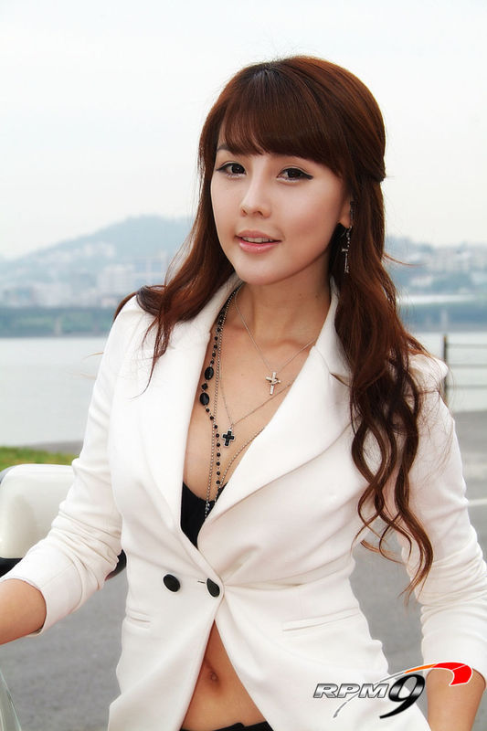 HD Quality Wallpaper | Collection: Women, 533x800 Lee Ji Woo