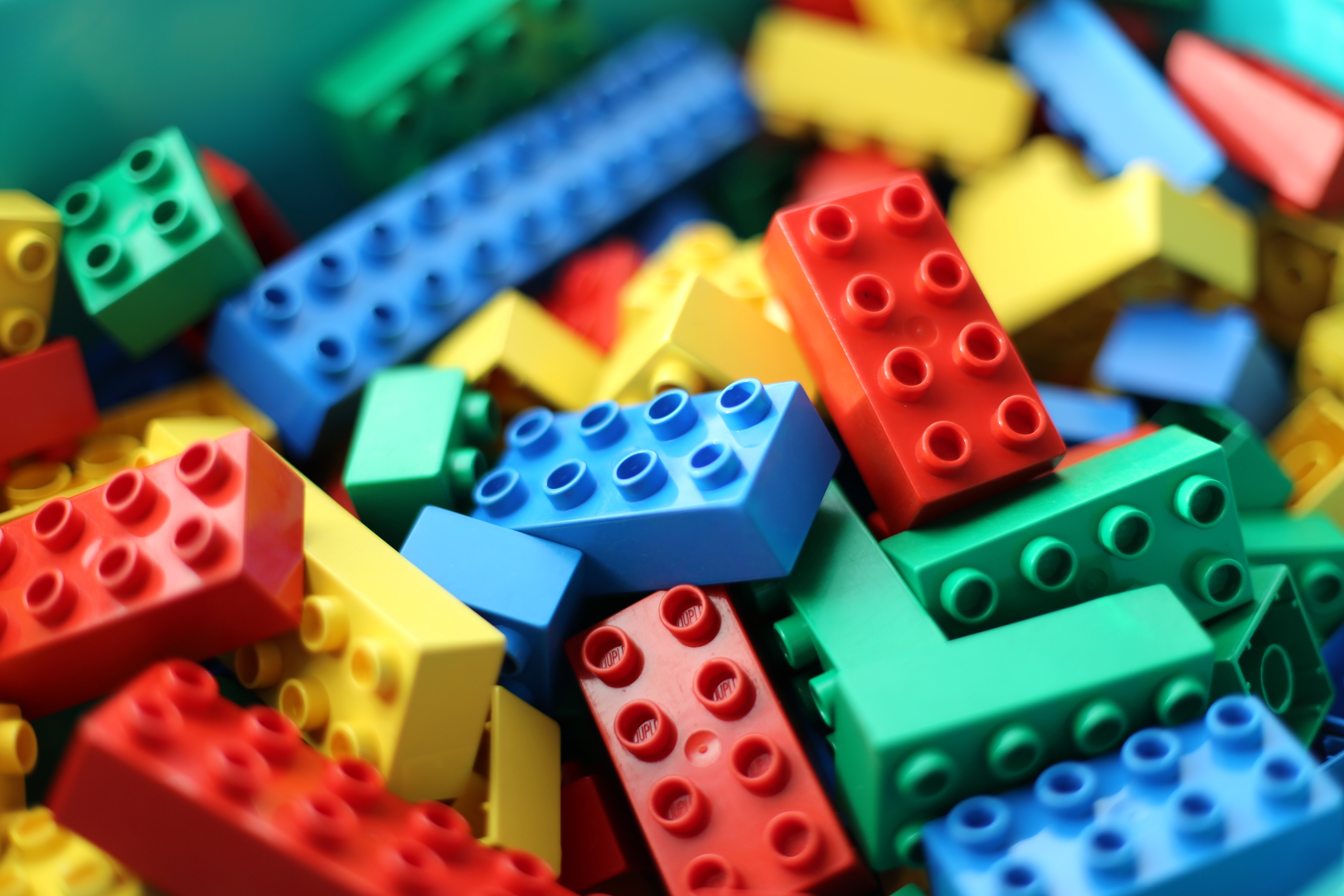 3648x2432 > Lego Wallpapers
